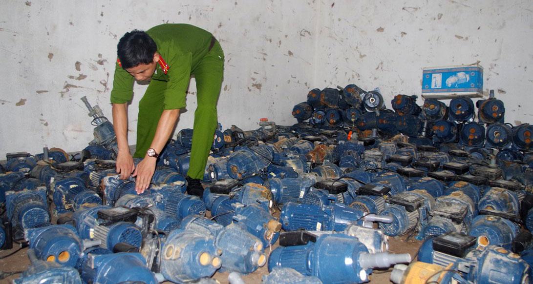 Bộ công an tịch thu máy bơm nước giả